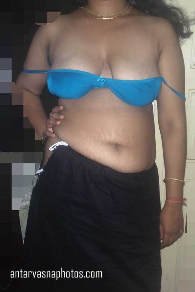 Desi bhabhi ki cleavage ki photos