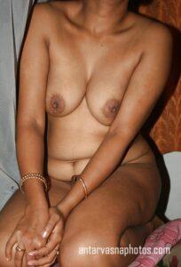 Sakshi aunty ki hot nangi photos
