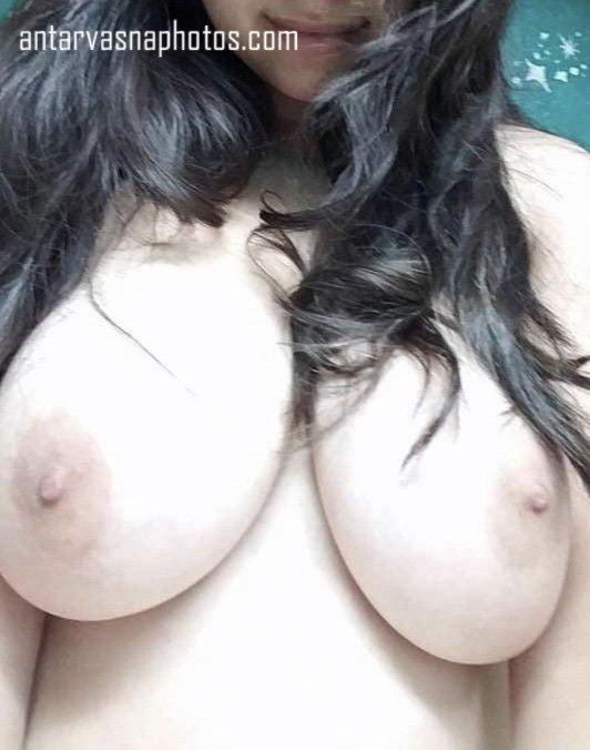 Nicky ki huge boobs ki photos