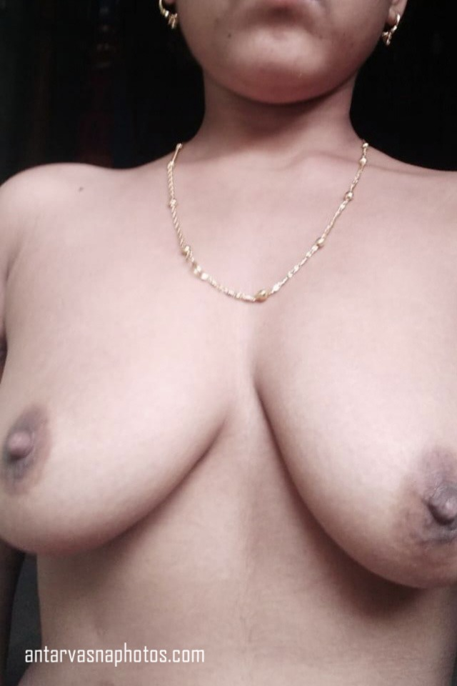 Desi village bhabhi ki boobs ki photos