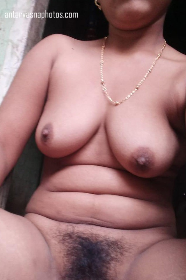 Rita bhabhi ki boobs aur chut ki photos