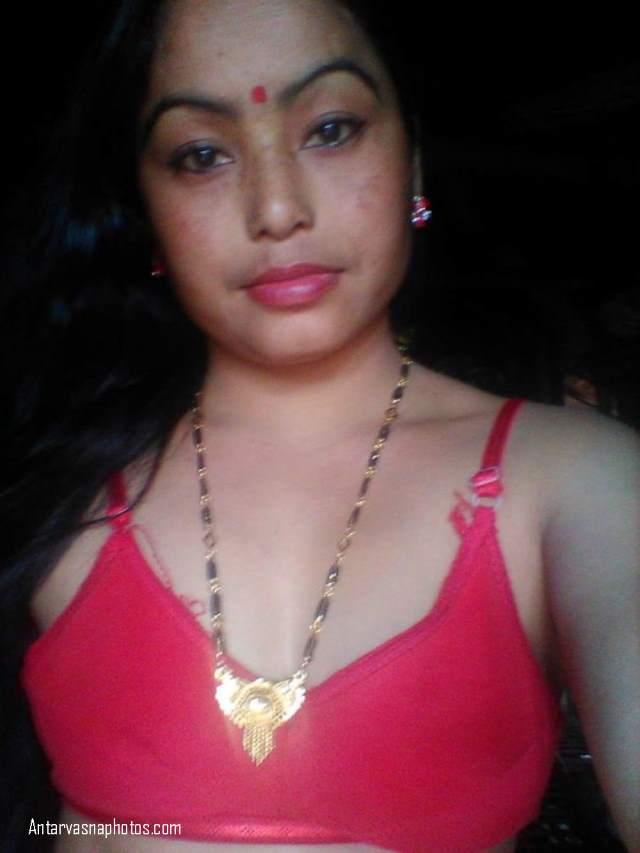 red bra me red hot bhabhi