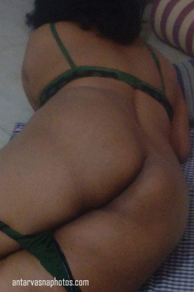 Sexy Wife Maya ki gaand ki photos