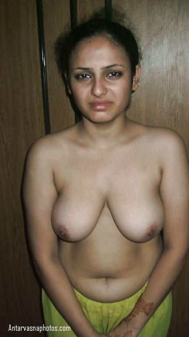 pahli bar nude photos me roti bhabhi