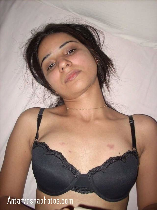 nude bed me leti desi girl