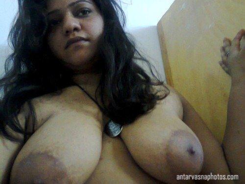 Juhi aunty ki huge boobs ki photos
