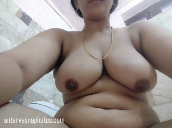 Simran ki nude selfie photos