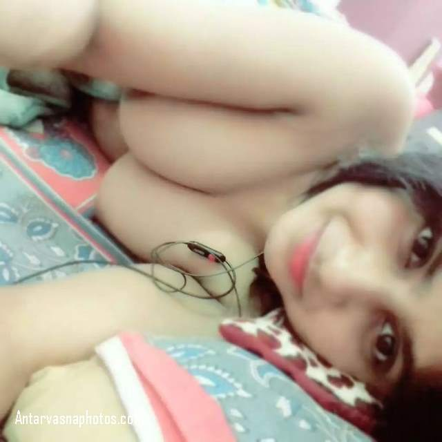 hot virgin teen nangi phone par