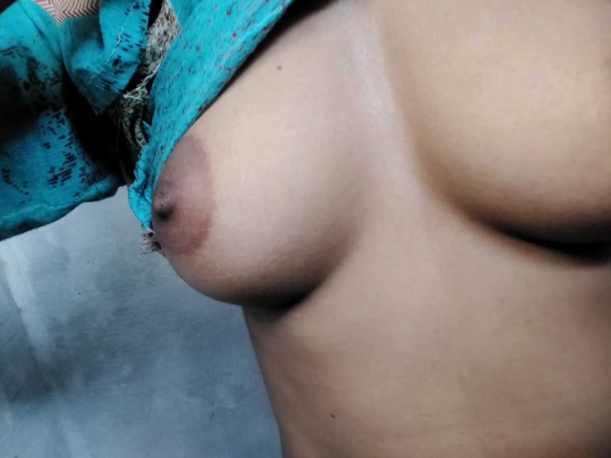 Anjali ke kadak boobs ki photos