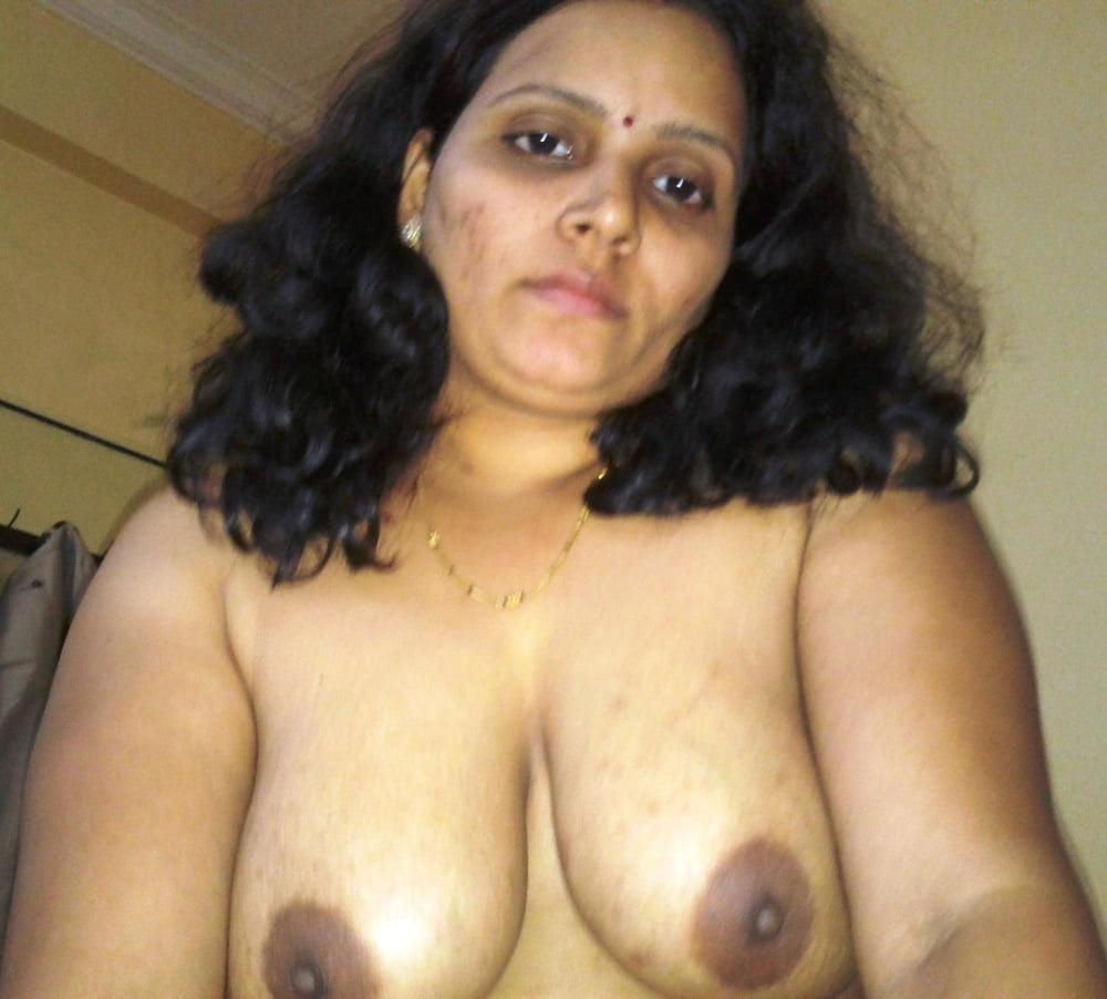 Indian aunty ki juicy boobs ki photos