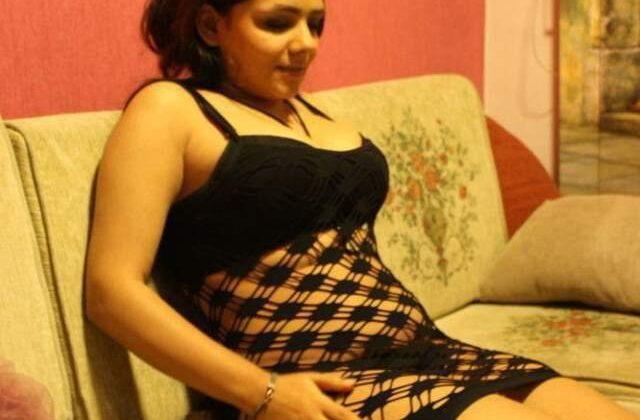 delhi call girl ki sexy night dress