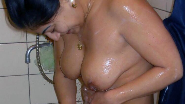 Indian girl ki bathroom nude pics