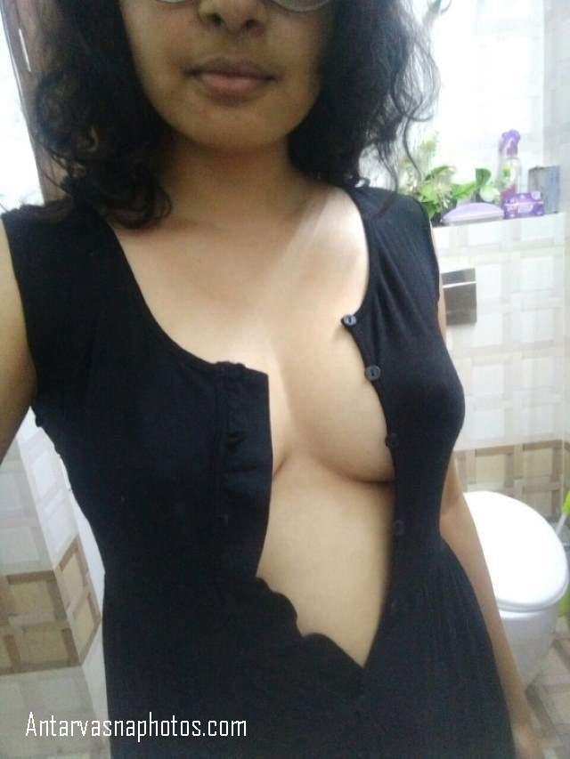 boobs dikhane ki taiyari me