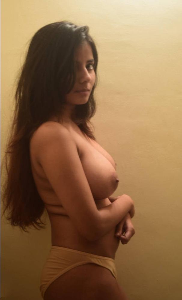 Hot desi girlfriend ki photos
