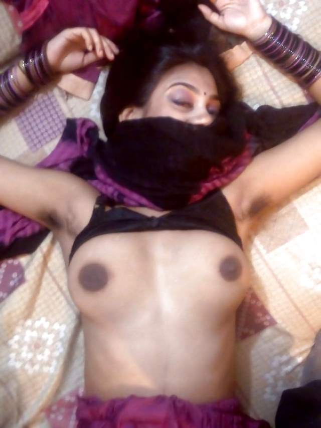 desi girl riya chudai ke bad soyi