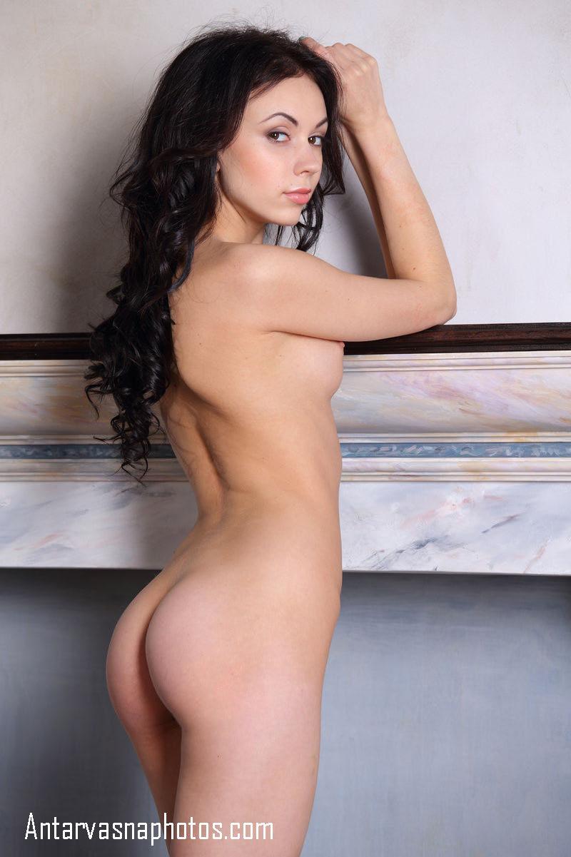 nude figure dikhati